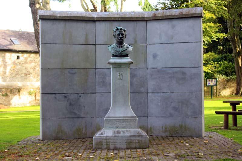 Willie Redmond Memorial Statue