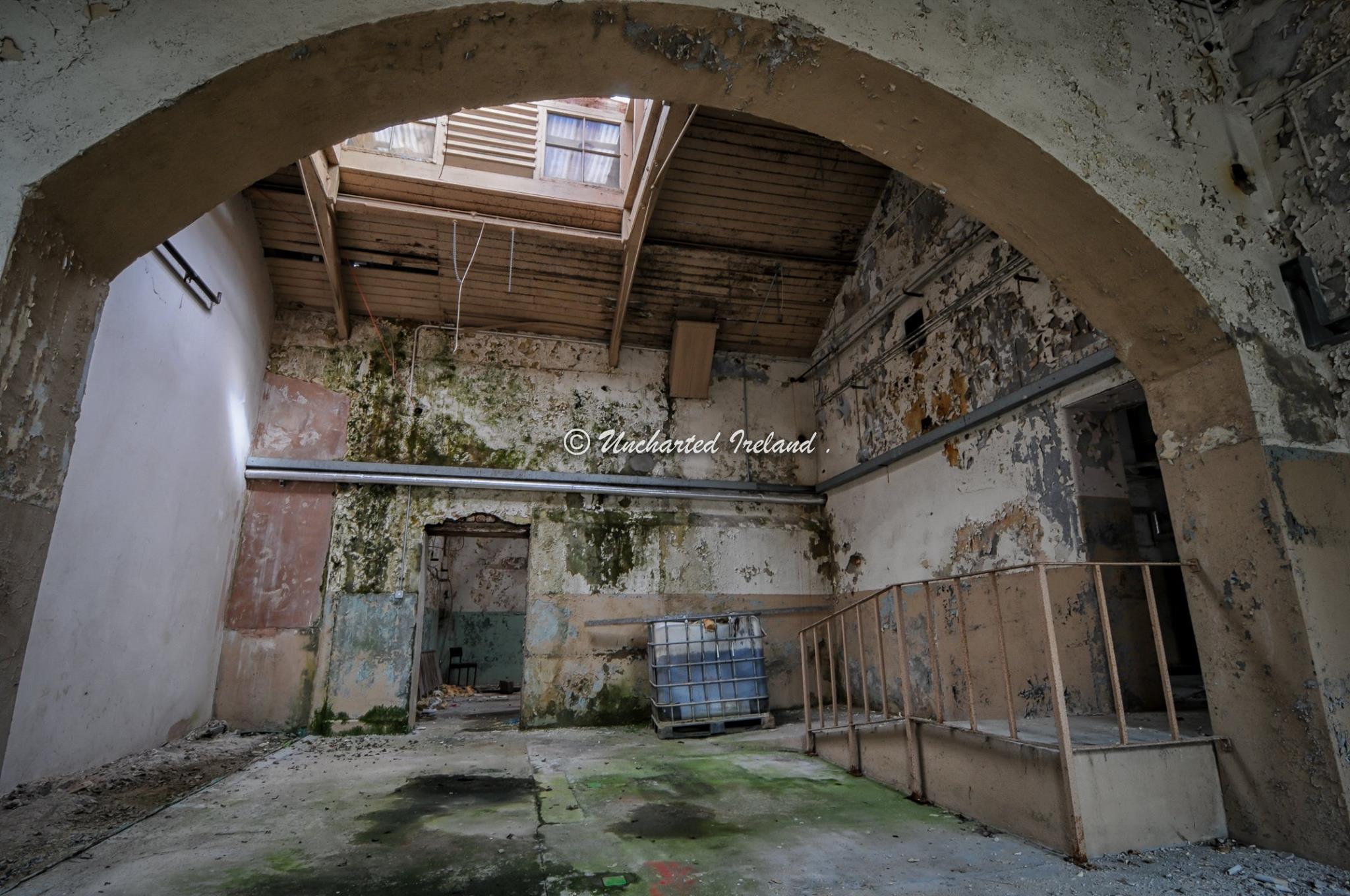 empty-room-02